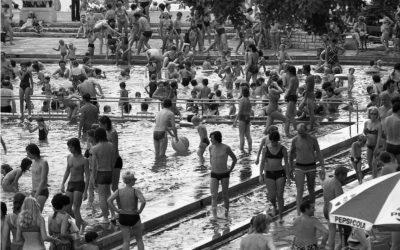 Nézd meg jól ezt a 70-es évekbeli strand fotót!